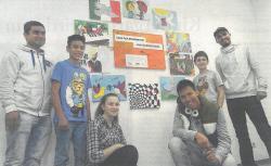 Jugendliche gestalten Farbtupfer f�r die Demokratie